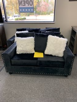 Brand New Sofa And Loveseat for Sale in Murfreesboro,  TN