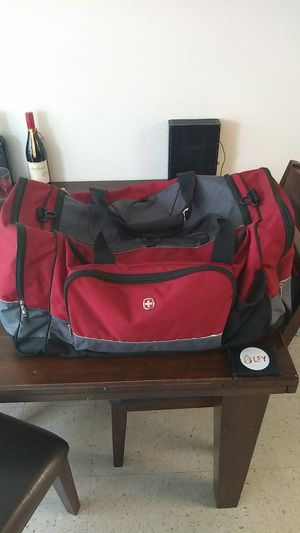 Big red duffle bag ( with strap) for Sale in Hickman, CA