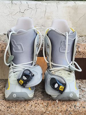 Burton Snowboots for Woman size 7 for Sale in Alhambra, CA