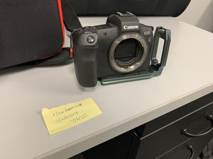 Canon EOS R Mirrorless Camera for Sale in St. Petersburg, FL