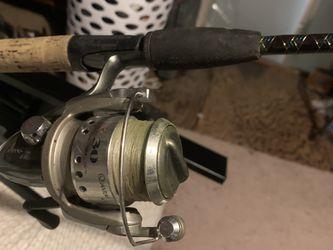 cañas de pescar estan usadas ya temgo mucho tiempo que no las uso for Sale in Oxon Hill,  MD