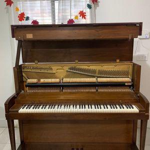 Used Baldwin Hamilton Upright Piano- PICKUP ONLY for Sale in Miami, FL