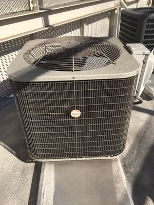 CARRIER 3 TON COOLING AND HEATING for Sale in Glendale, CA