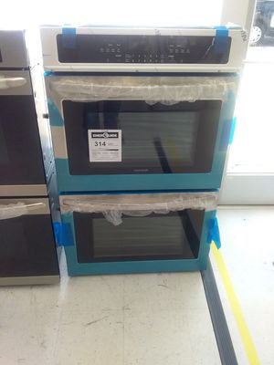 Frigidaire wall oven stainless steel new open box good condition 6months warranty for Sale in Mount Rainier, MD