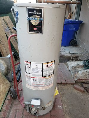 40 gallon gas water heater for Sale in San Diego, CA