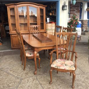 Dining Room Table Chairs and Hutch for Sale in San Jose, CA