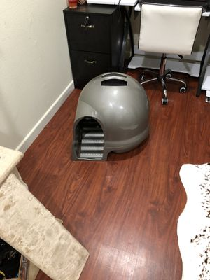 Cat litter dome - free for Sale in El Segundo, CA