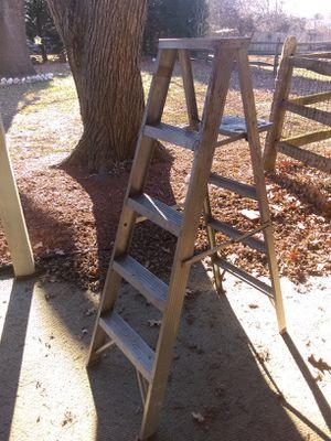 6' Aluminum step ladder for Sale in Pasadena, MD