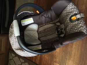 Chicco Keyfit 30 infant car seat for Sale in Kenmore, WA