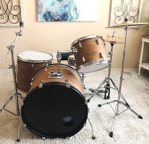 4-piece Drum set w/hardware and throne for Sale in San Tan Valley, AZ