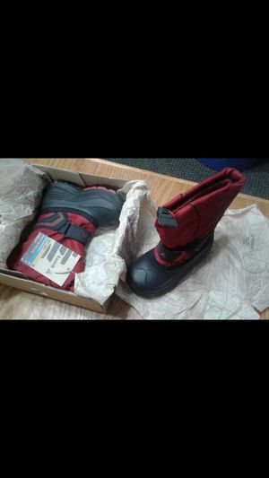 Kamik Size 9 Boys Snow Boots Red with out box! for Sale in Philadelphia, PA
