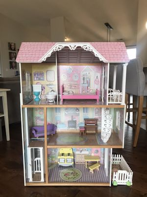 Doll House (4 ft. Tall) for Sale in Newberg, OR