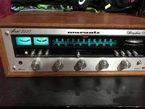 MARANTZ 2225 with vintage Wood Case WC-22 vintage receiver for Sale in Corona, CA