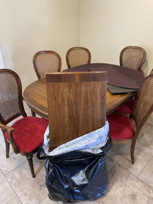 Kitchen Table with 6 chairs, 2 leaflets, and 2 table covers for Sale in Rancho Cucamonga, CA