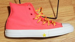 Hot Pink Converse High Tops for Sale in Cleveland, OH