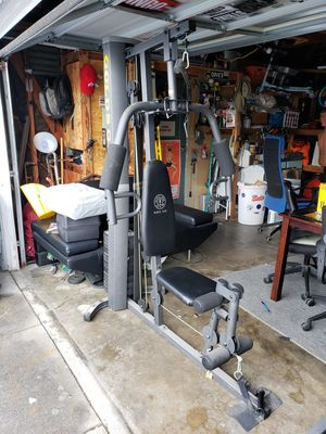 Gold's Gym XRS 50 Home Gym in Excellent Condition for Sale in Lakewood, CA