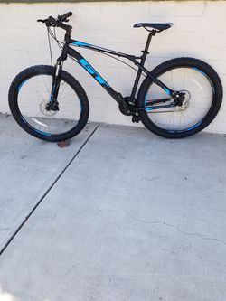 GT mountain Bike Size Large Wheels 27.5 Fatboy Speeds 24 for Sale in Arcadia,  CA