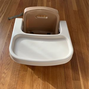 Booster Seat With Tray for Sale in Burlington, MA