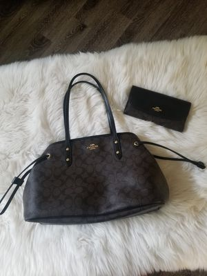 Coach Signature Black Brown Bag with Matching Wallet Shoulder Bag Purse for Sale in Coral Springs, FL