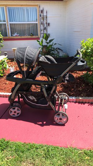 Double baby stroller for Sale in Port Richey, FL