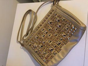 Gold crossbody handbag for Sale in Hialeah, FL