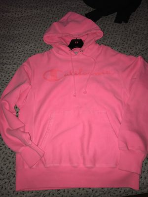 Champion California hoodie, pink. Great condition! Only worn like once. THROW ME OFFERS! Do not pay for it without making me offer. I'll not ship it! for Sale in Greenbelt, MD