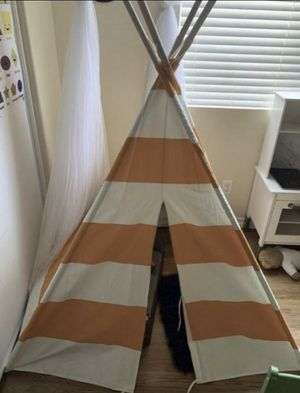 Tee pee tent for Sale in Nuevo, CA
