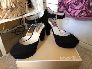 michael kors black heels in box for Sale in San Diego, CA
