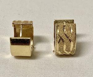 14K YELLOW GOLD DIAMOND CUT & LASER CUT HINGED HUGIE HOOP EARRINGS 3 GRAMS for Sale in Gaston, OR