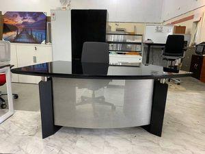 GLASS ITALIAN DESIGNER DESK, BLACK OR WHITE for Sale in Doral, FL