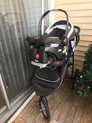 Troller and car seat for Sale in Rockville, MD