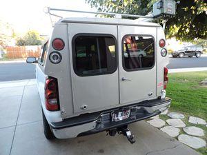 Caravan Camper Shell Topper 99-06 Sierra Silverado for Sale in Perris, CA
