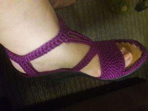 Zapatos nuevos teguidos a mano for Sale in El Mirage, CA
