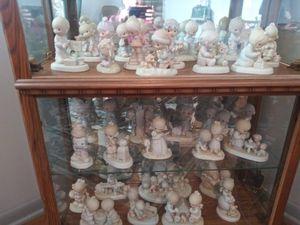 Precious moments and curio cabinet for Sale in Allen Park, MI