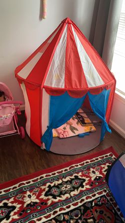 Tent for $8 for Sale in Herndon,  VA
