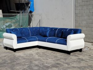 NEW 7X9FT WHITE LEATHER COMBO SECTIONAL COUCHES for Sale in Anaheim, CA
