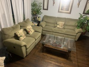 3 PIECE LIVING ROOM SET (SOFA & COFFEE TABLE) for Sale in Uniondale, NY