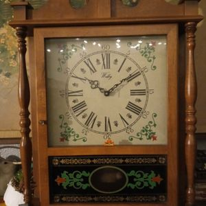 WELBY ROLLING PILLAR AND SCROLL MANTEL CLOCK for Sale in West Sacramento, CA