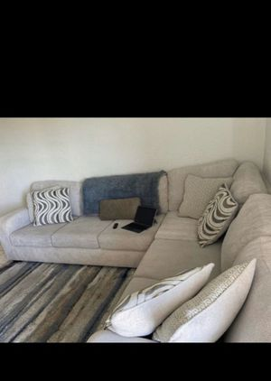 Beautiful/Comfy Large Second Couch and Rug for Sale in Miami, FL