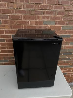 Black Insignia™ - 2.6 Cu. Ft. Mini Fridge for Sale in Arlington, VA