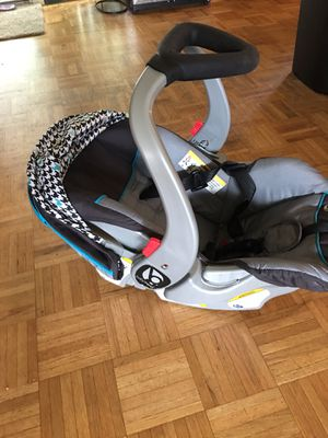 Car seat and stroller for Sale in Nashua, NH