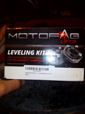 """Motofab lifts 3"""" leveling lift kit for Sale in Simi Valley, CA"""
