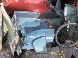 Car windows and wind shields for Sale in Los Angeles, CA