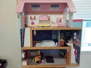 Dollhouse for Sale in Lynnwood, WA