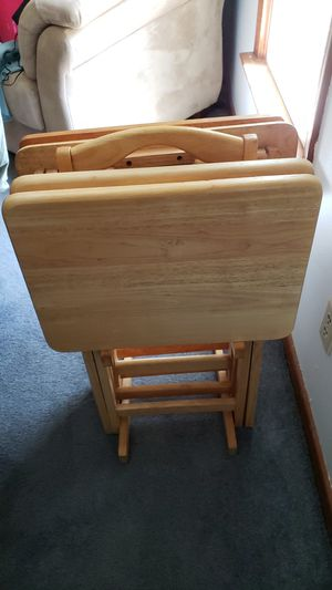 4 TV Tray Tables with Stand for Sale in Richmond, VA