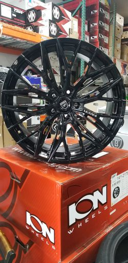 20x9 Lexani Aries Gloss Black 5x120 +38 offset for Sale in Federal Way,  WA