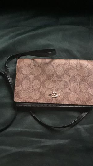 Coach shoulder bag for Sale in Wakefield, MA