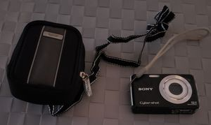 Sony Cyber Shot Digital Camera w/ camera Bag for Sale in Wesley Chapel, FL