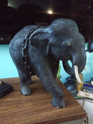 Hand carved on wood elephant 10 inches item for Sale in Addison, IL