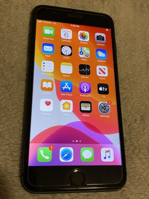 Apple iPhone 8 Plus 64 GB. Unlocked/Liberado for any service for Sale in Denver, CO
